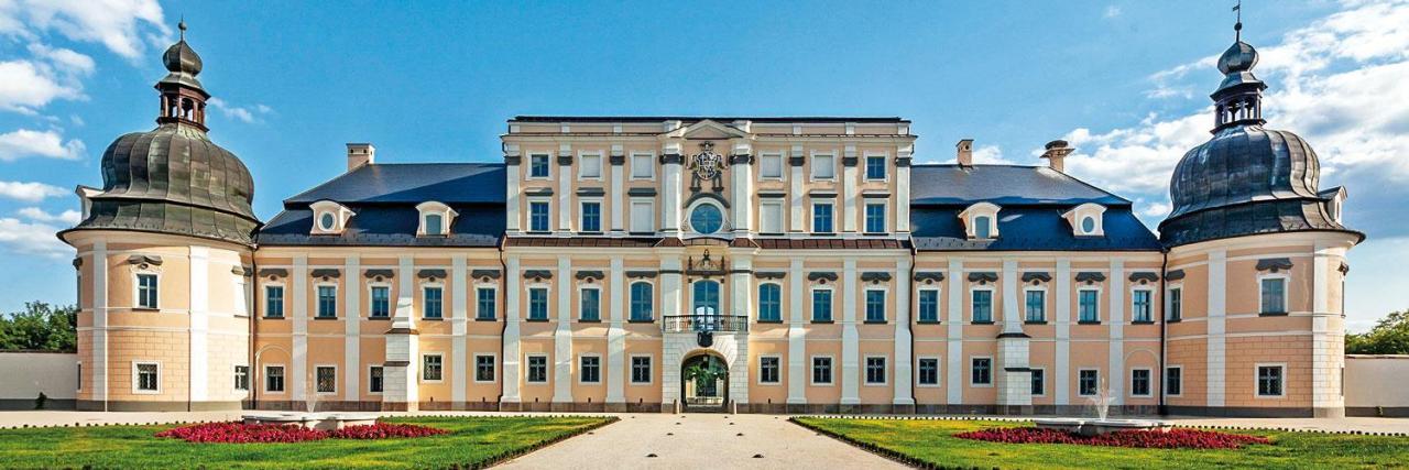 Gyulai Hírlap - Kéken világított az Almásy-kastély az autizmus világnapján