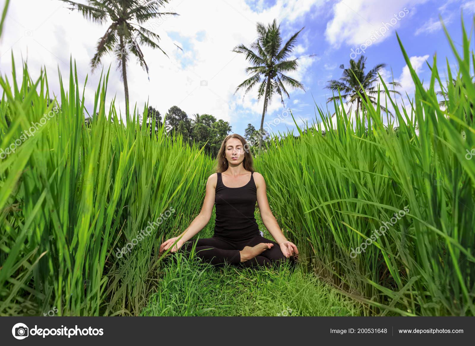 Elizabeth Gilbert. Eat, Pray, Love. Ízek, imák, szerelmek - PDF Free Download